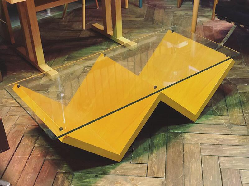 アルフレックス モンターニャ ガラスセンターテーブル