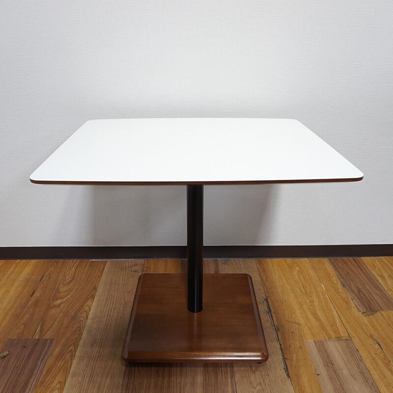 カリモク60+カフェテーブル